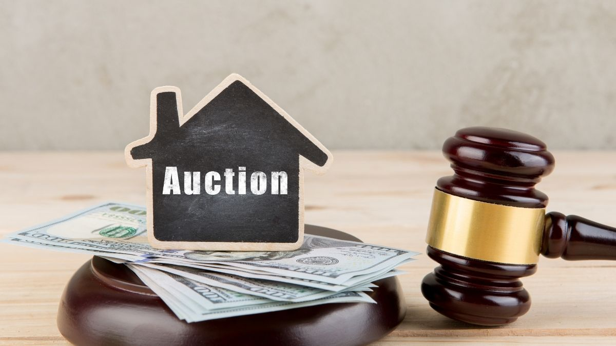 Reasons For And Against Buying a House at Auction